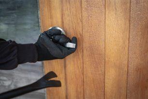 Защитете дома си от кражби с професионални ключарски услуги от Комкийс